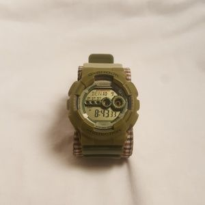 Olive G Shock x Play Set Products Watch